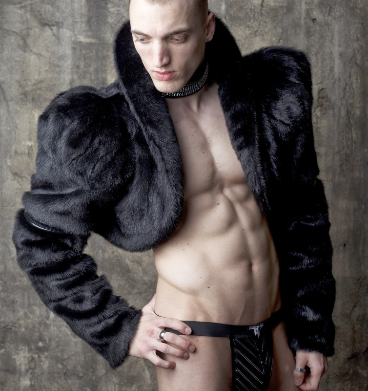Photo: Kiril Bikov   Model: Enel Payne