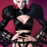 Photo: Me Chiel       Model: Lara Aimee